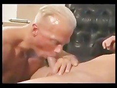mature bodybuilder receives drilled by juvenile